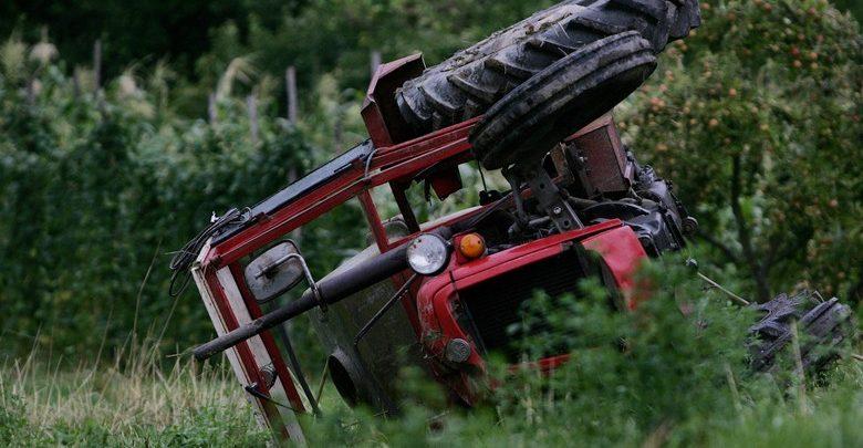 Traktor prevrten