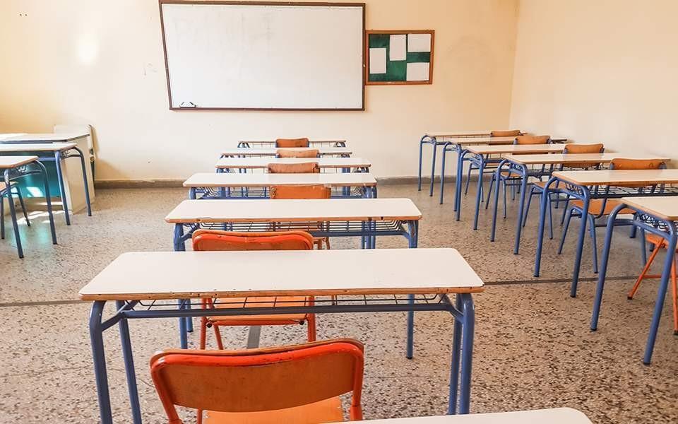 Секој четврт ковид случај во Грција е дете на возраст до 18 години