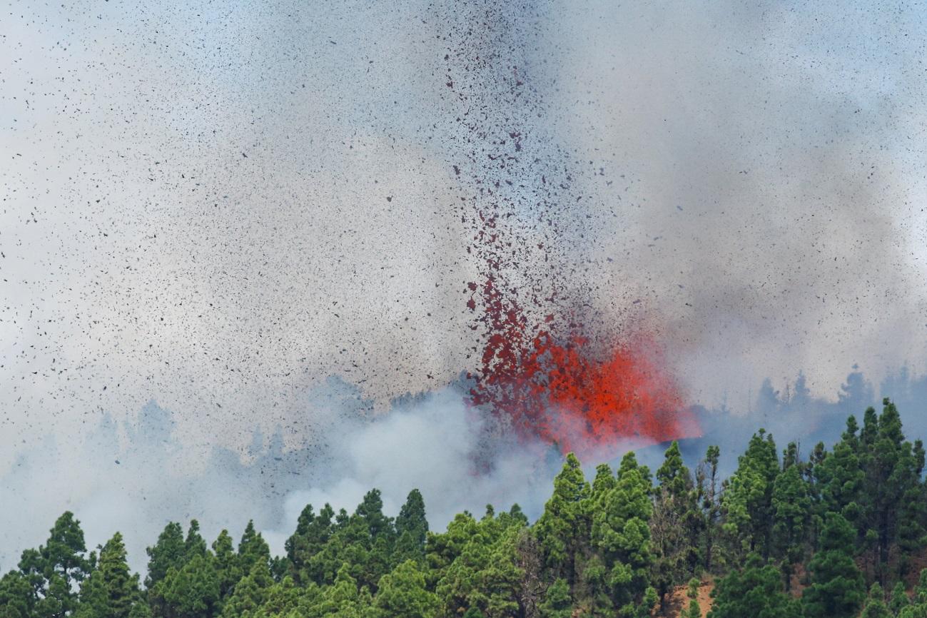 Во Шпанија вулкан еруптираше за прв пат по пет децении