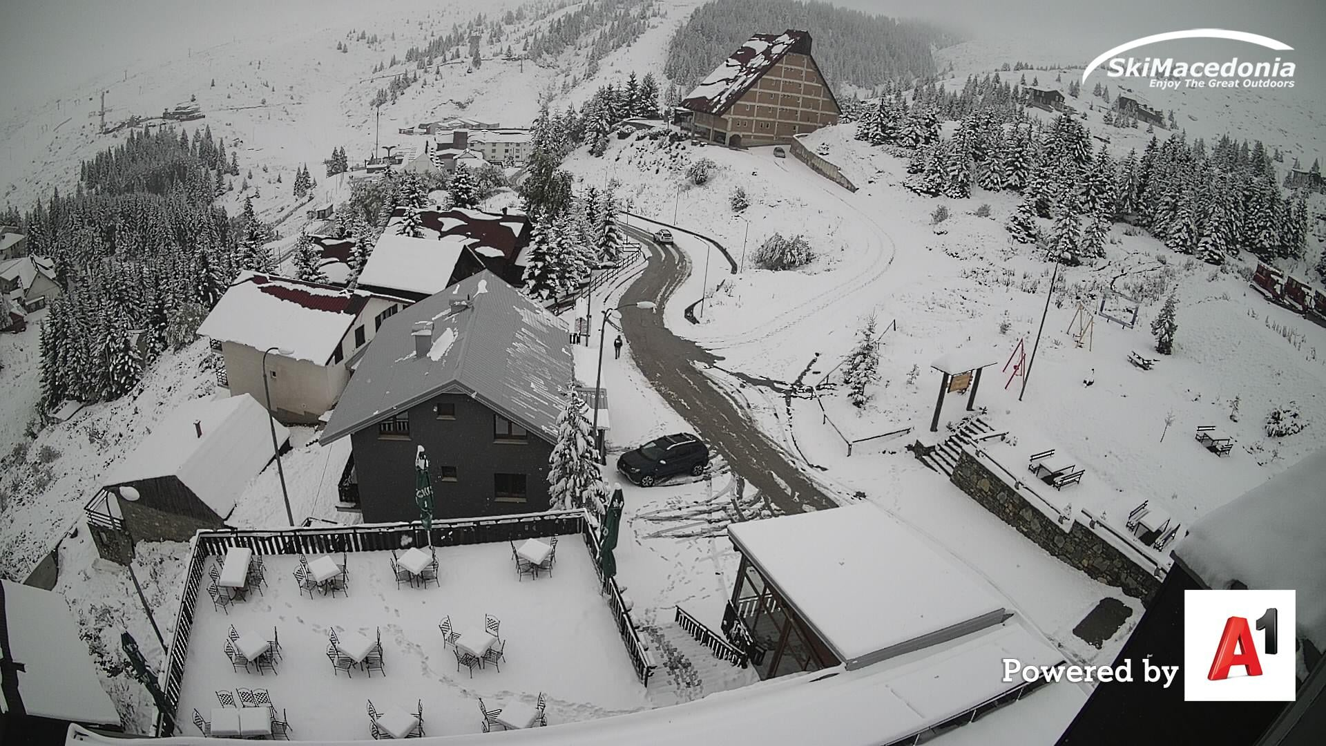 Снег во октомври: Маврово, Попова Шапка, Нижо Поле, Крушево и Пелистер под снежна покривка