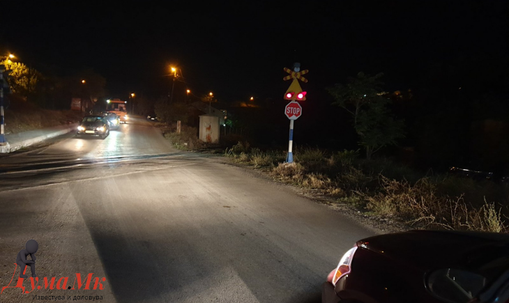 Граѓани на Превалец се жалат а Македонски железници одговара дека честите спуштања на рампите на преминот се резултат на неодложна работа (ФОТО И АУДИО)