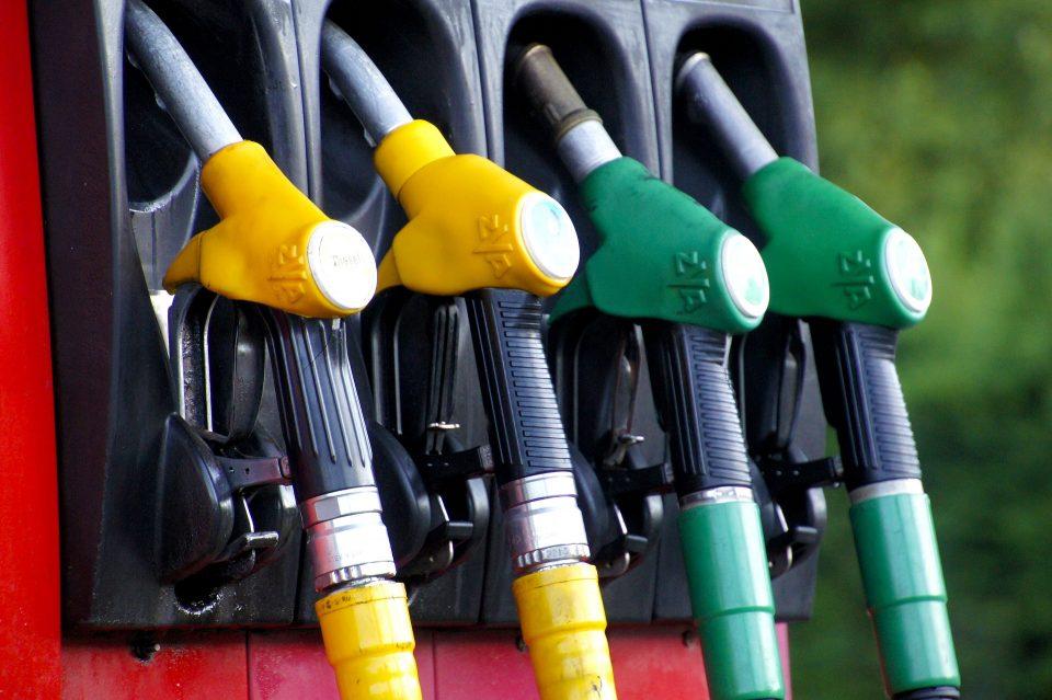 РКЕ: Се намалуваат цените на нафтените деривати