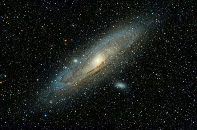Чудни радио бранови уловени како пристигнуваат од нашата галаксија