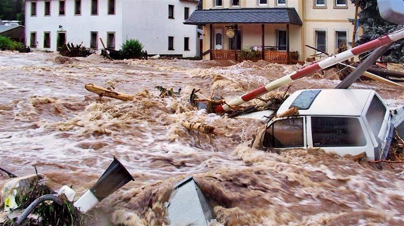 Падна историски дожд во Италија, половина милион молњи за 48 часа (ВИДЕО)